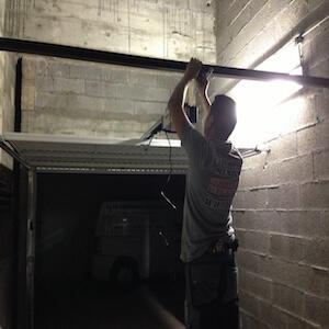 Porte de garage pas cher a menton monaco, installation de porte de garage ouverture de porte de garage en urgence a menton